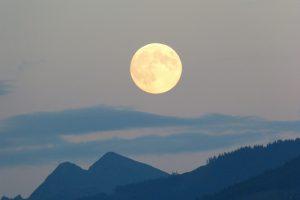 full-moon-460313_1920