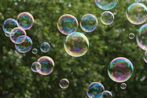 soap-bubbles-1451092_1920