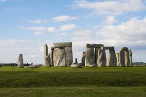 stonehenge-666614_1920